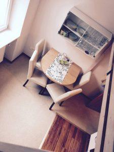 Zwei Zimmer Wohnung mit Küche und Bad